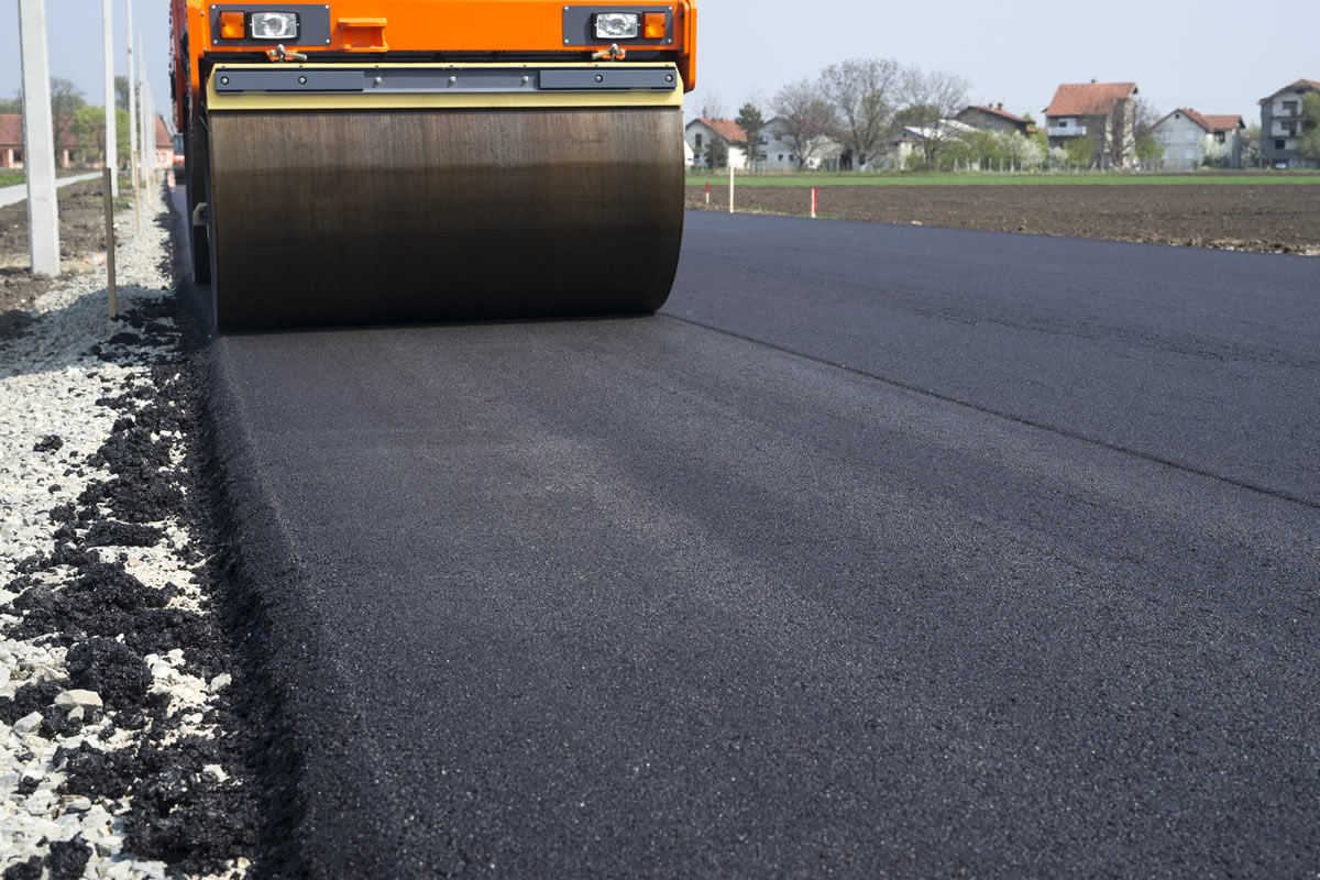 Five Reasons to Choose Asphalt for Your Next Paving Material